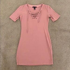Short sleeve body con dress